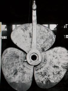 広工廠造機部で製造中の推進器